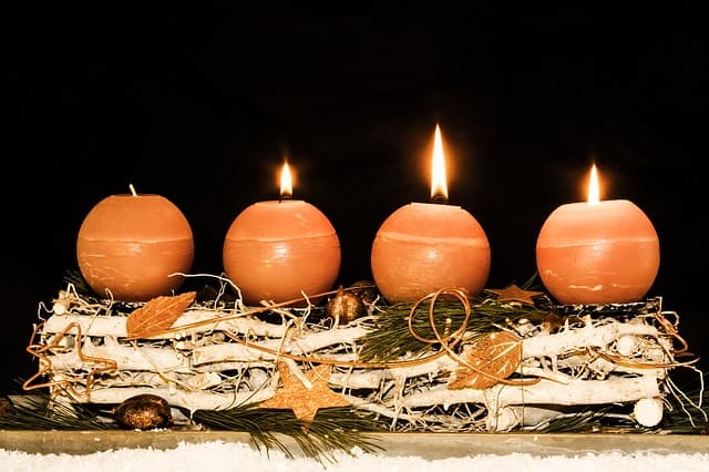 Adventszeit Adventskranz
