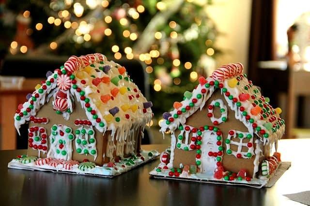 Lebkuchenhaus mit Verzierung