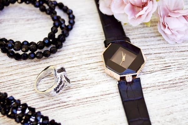 Uhren und Schmuck als Geschenk