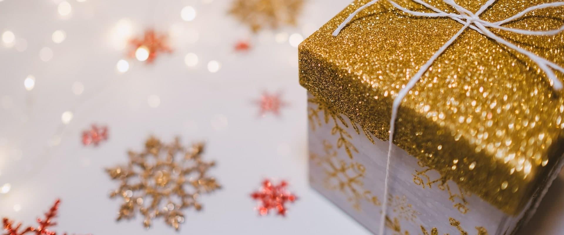 Geschenk gold weiss