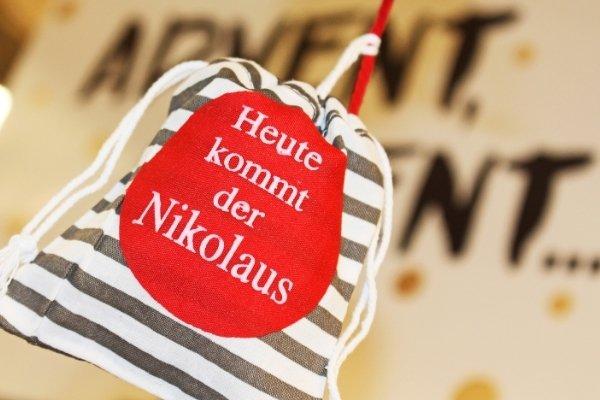 Nikolausgrüße verschicken, Stiefel und Socken rausholen