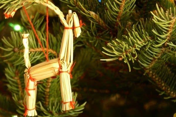 Julbock aus Stroh - Traditionelle schwedische Weihnachtsdeko