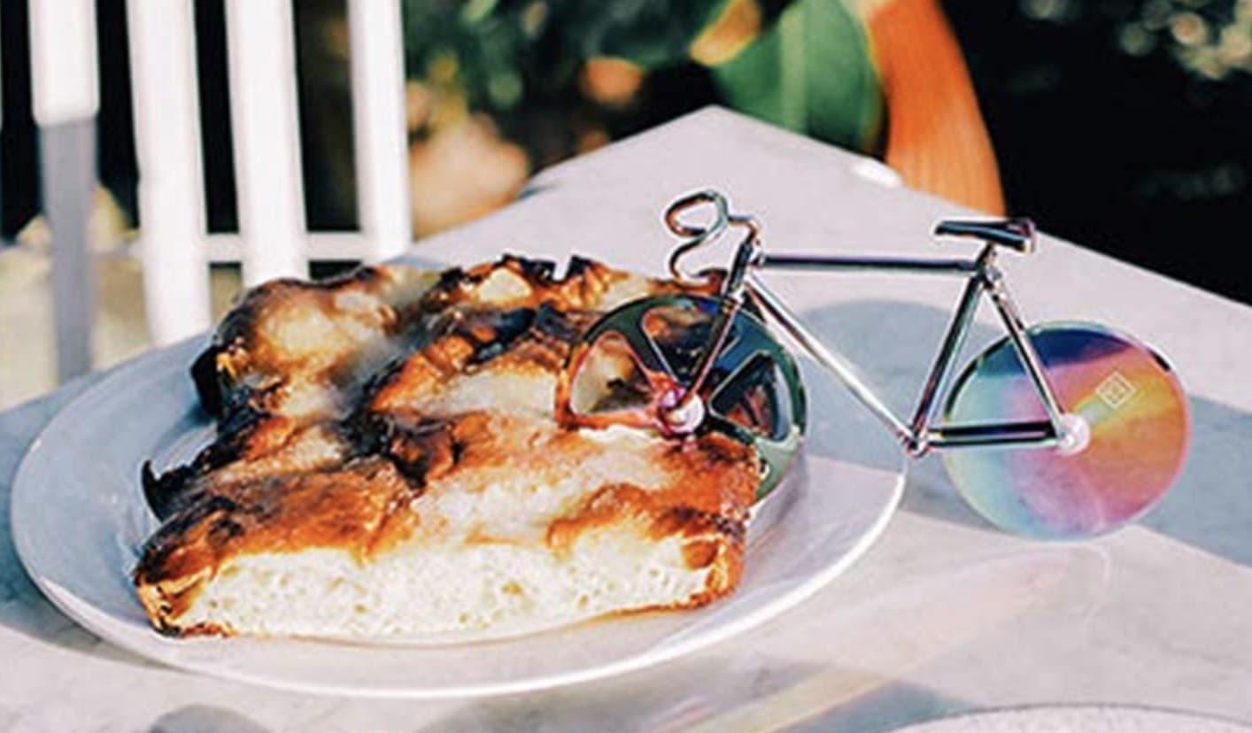 Goldener Fahrrad Pizzaschneider